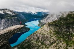 Trolltunga, Norwegen. Foto van Robert Bye via Unsplash
